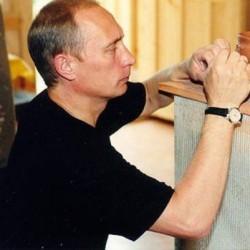 Путин в гончарной в Мандрогах