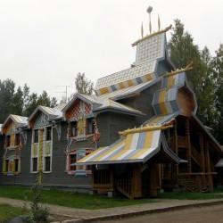 Отели в Мандрогах